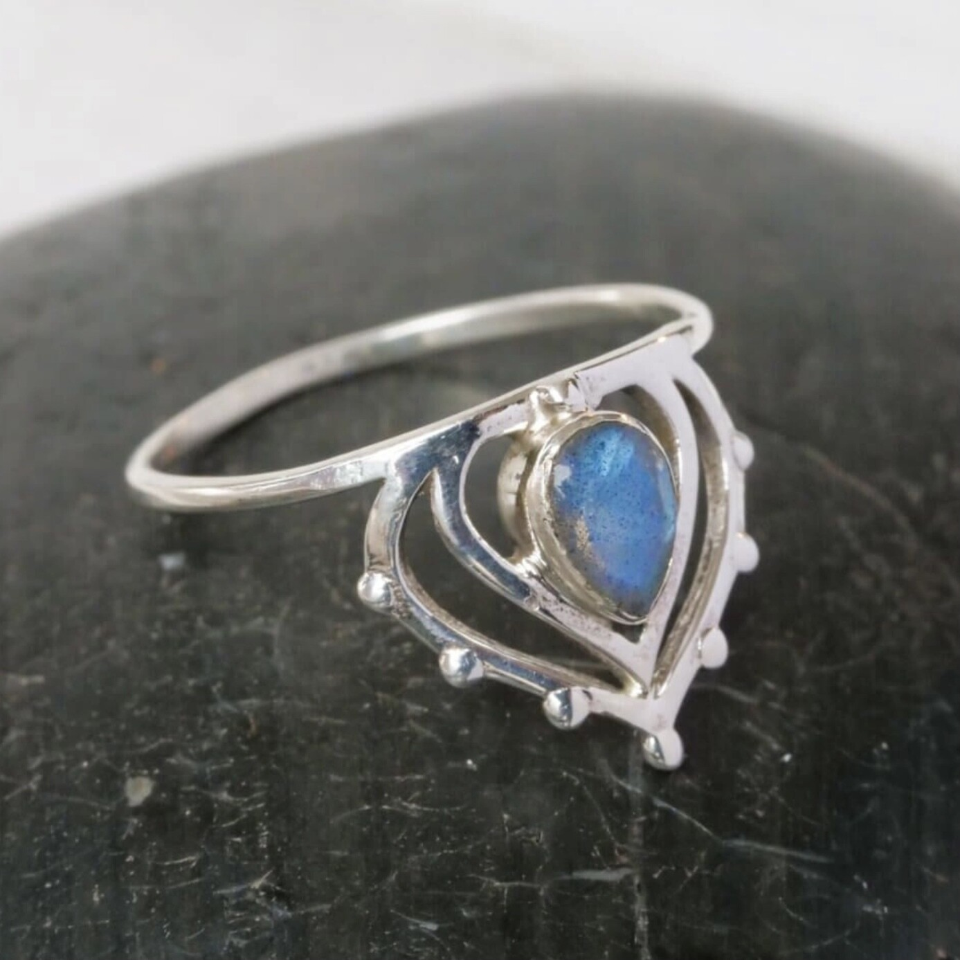 Sterling Silver Labradorite Henna Crown Ring -RB31