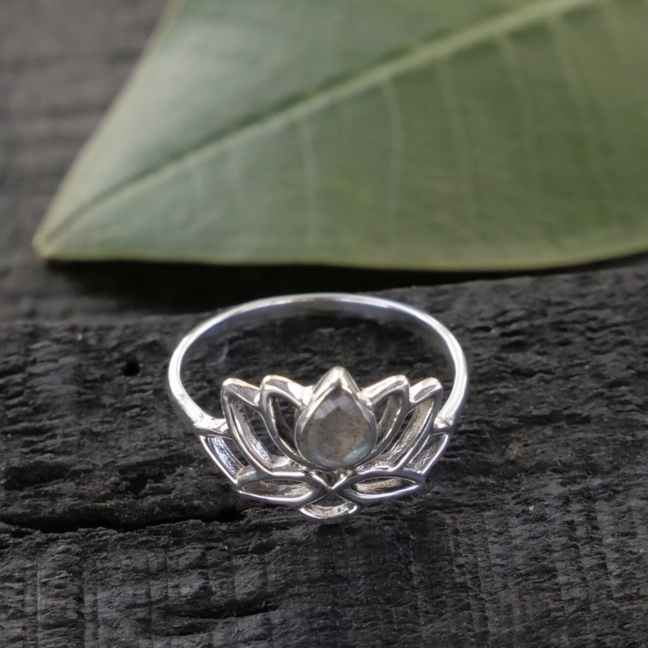 Sterling Silver Labradorite Lotus Ring - RB33