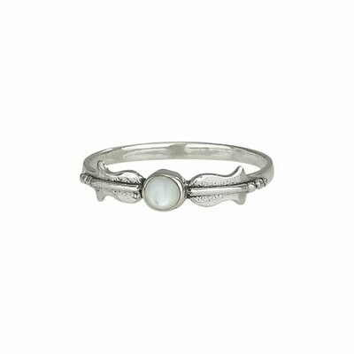 Sterling Silver Mother of Pearl Ring - RTM2789