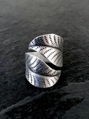 Hill Tribe Silver Dotted Leaf Wrap Ring - RAN10-2