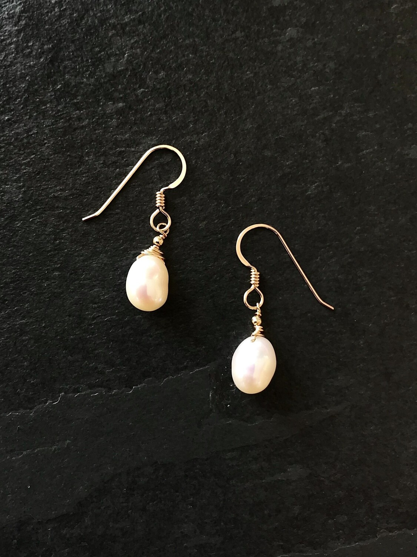 Venus Teardrop Pearl Dangle Earrings - GDFDVE2