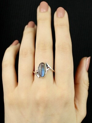 SIZE 9 - Sterling Silver Oval Labradorite Ring - RIG9111