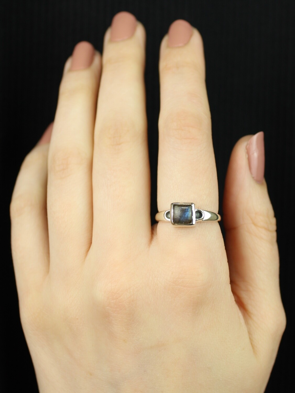 SIZE 8 - Sterling Silver Square Labradorite Ring - RIG8117