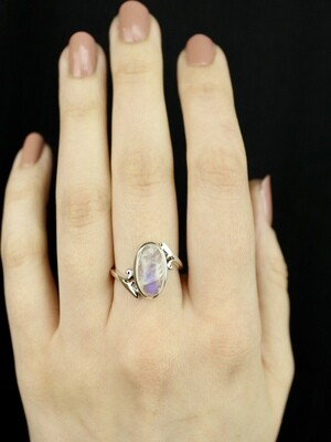 SIZE 7 - Sterling Silver Oval Rainbow Moonstone Ring - RIG7120