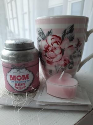Tee, Tasse und Herzkerzli