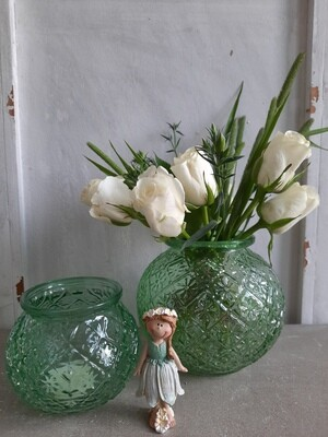 Vase und Teelicht grün
