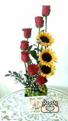 Oscar | Girasoles y rosas Jardinera Vintage