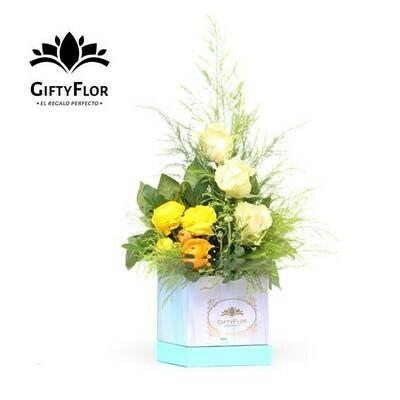 Arreglo de Rosas y peonias en caja | Giftyflor