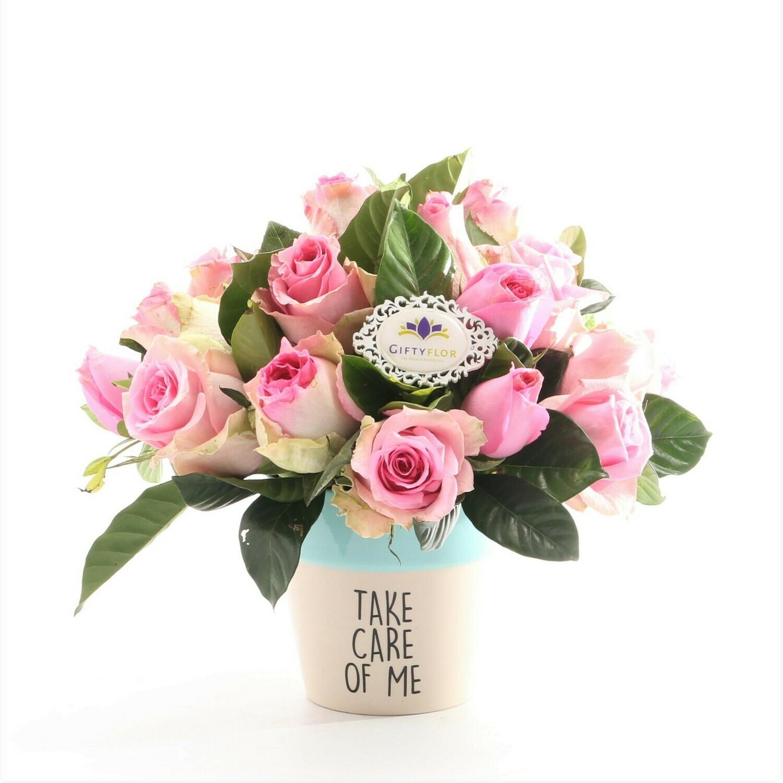 Pinky Friend Arreglo de rosas rosadas en macetero