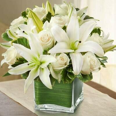 White Love | Ramo de rosas y lirios modelo