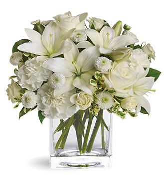Penélope Rosas Blancas Lirios y Claveles en florero