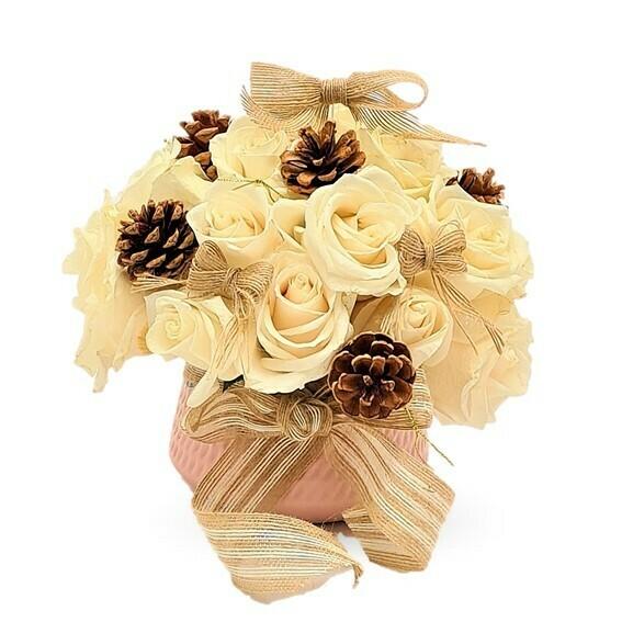 Mamá Noela Arreglo de rosas Blancas de Navidad