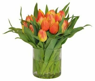 Jairo Arreglo de tulipanes Naranjas en florero