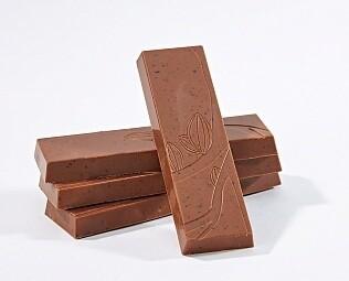 Плитка из молочного шоколада с ягодами / 30 гр.