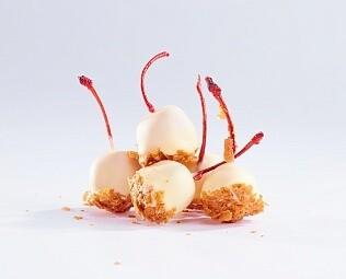 Черешня в белом шоколаде / 30 грамм