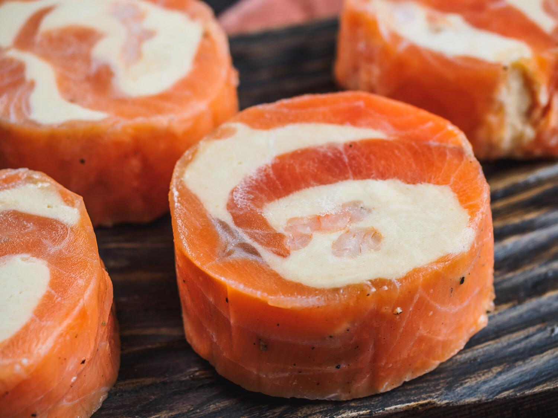 Рулетики из филе форели с сыром 500 грамм