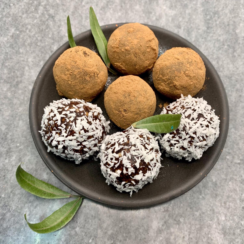RAW Конфеты «Ореховый в кокосовой стружке»