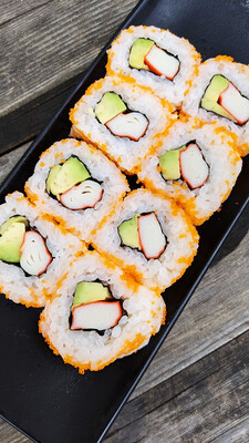 Inside Out Roll: California Uramaki Maki Sushi  カリフォルニア裏巻き (ab €8,30→€6,90)