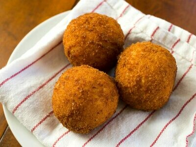 Gluten Free Pumpkin, Feta and Pinenut Arancini (4 Pieces)