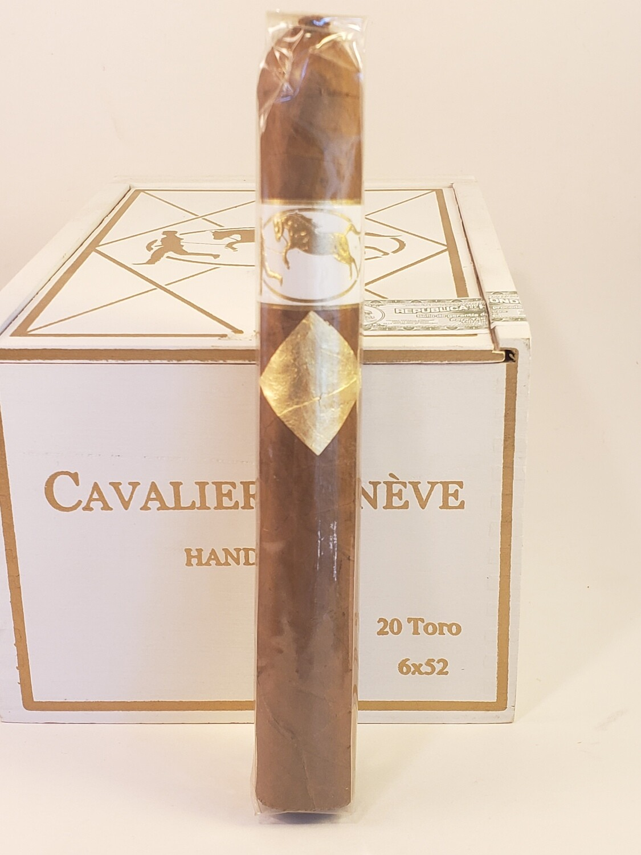 Cavalier Geneve White Series Toro 6 x 52
