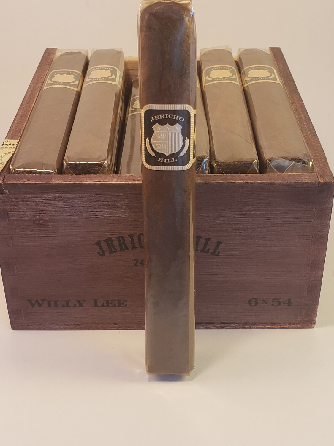 Crowned Heads Jericho Hill Willy Lee 6 x 54