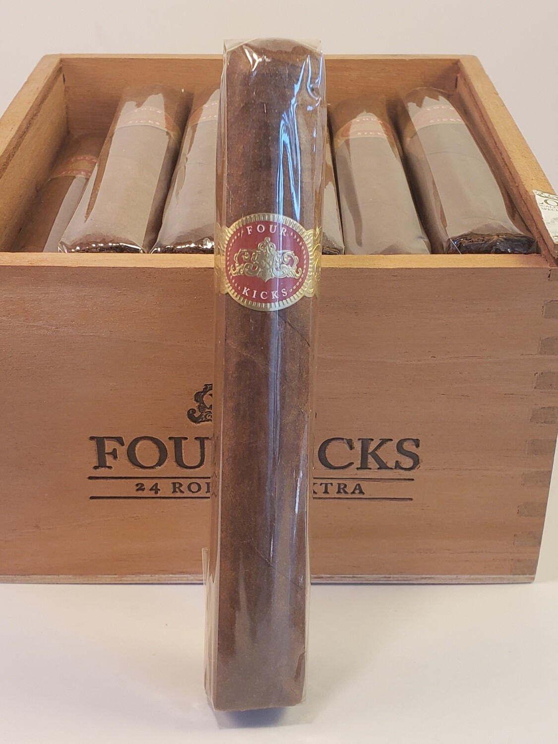 Crowned Heads Four Kicks Robusto Extra