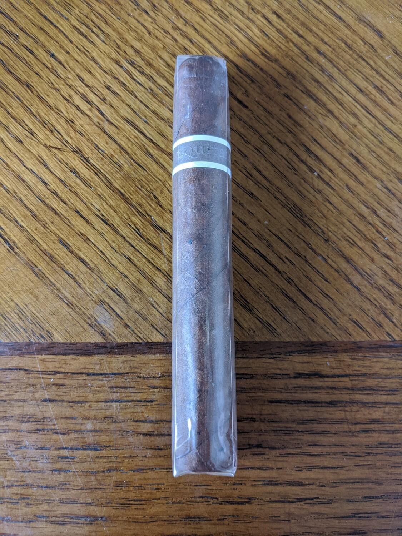 Roma Craft Aquitaine Ecuador Habano Ligero Cranium 6 x 54 Gran Toro Single Cigar
