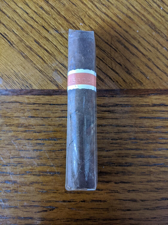 Roma Craft Neanderthal SGP 4 1/4 x 52 Petit Robusto Single Cigar