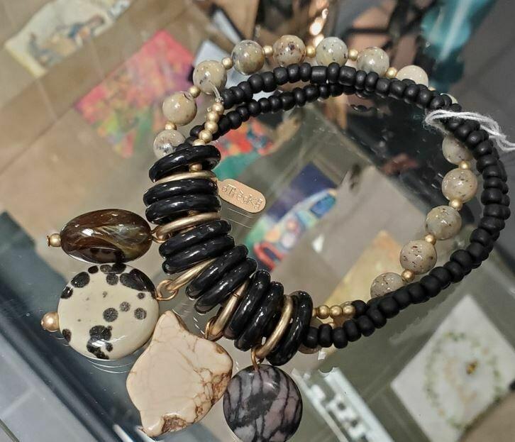 Treska nude stone dangle bracelet