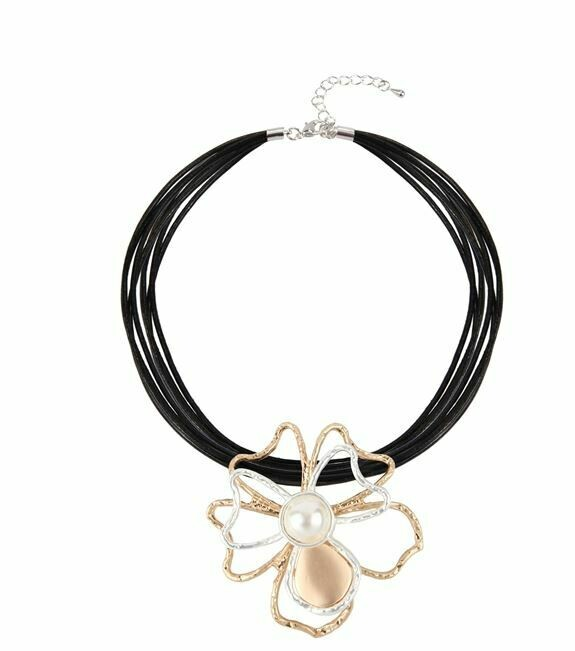 Gold Flower Choker Necklace