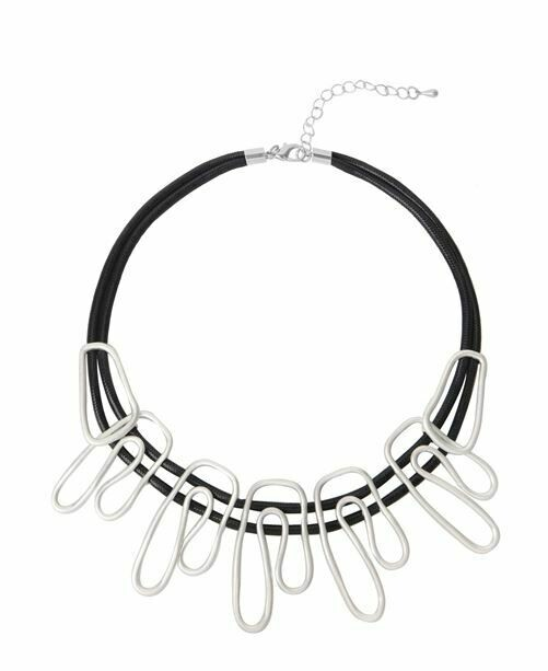 Metal Wave Shaped Choker Necklace