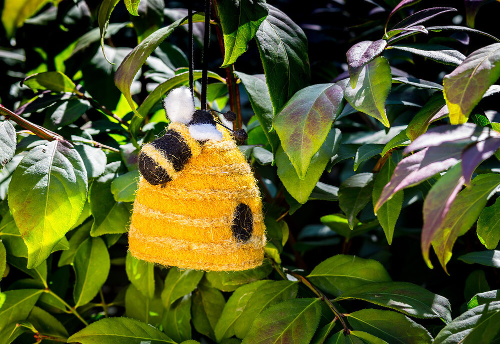 """Beehive with Bee Ornament 3.5""""H"""