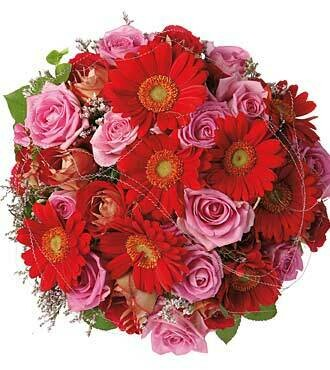 bouquet of roses and gerbera