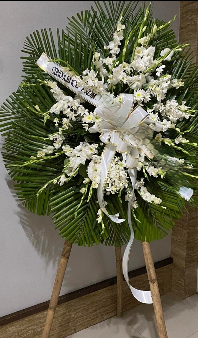 Low cost funeral flower