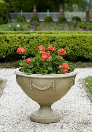 Williamsburg Neoclassic Urn (AS)