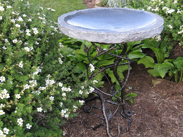 "Birdbath Vine Leaf Charcoal Granite 30"""