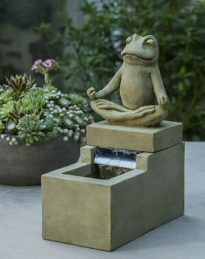 Mini zen frog fountain