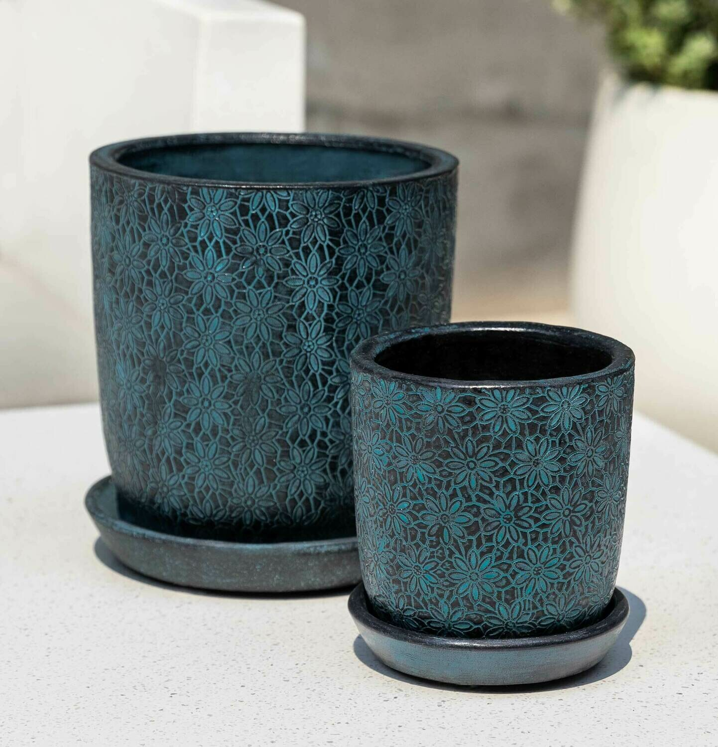 Small Marguerite Small Round Planter - Etched Blue