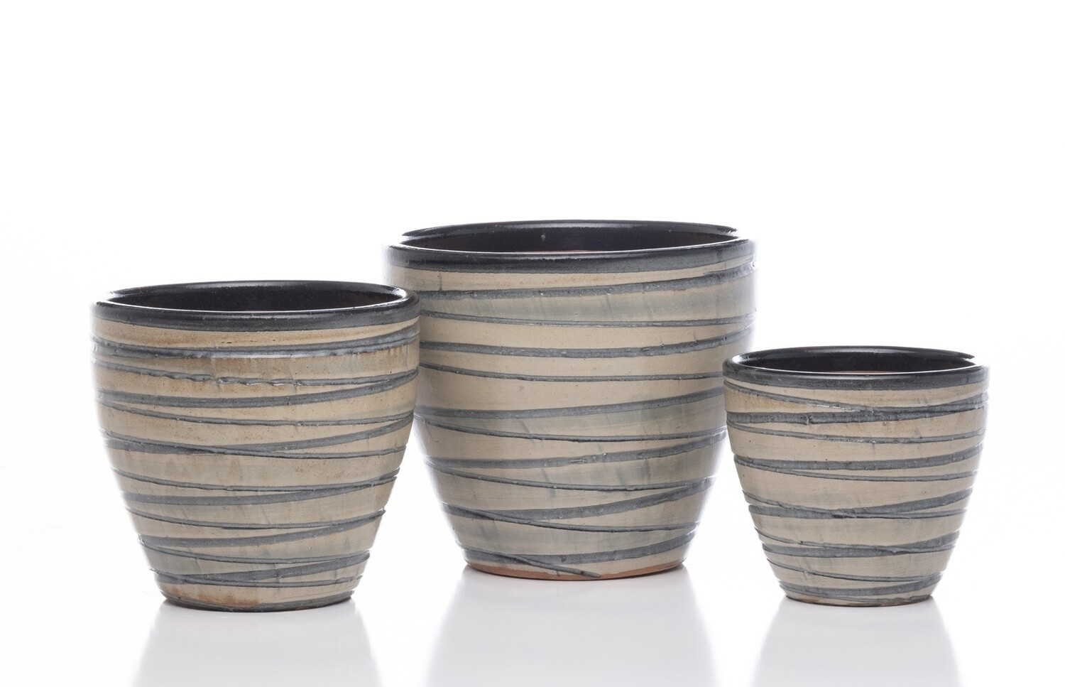 Grooved Egg Short Planter - B&W - Medium