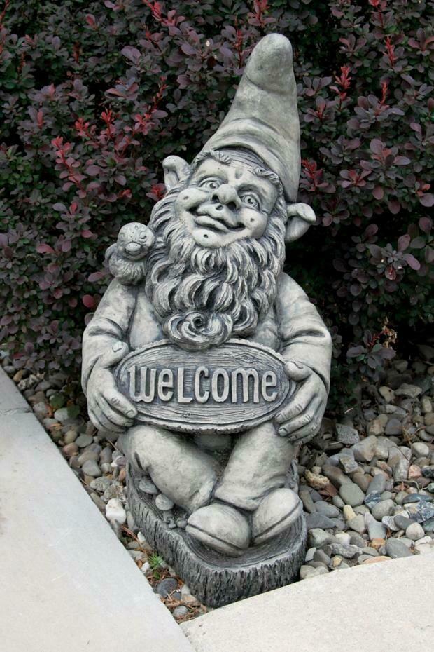 "17"" Gnome Welcome"