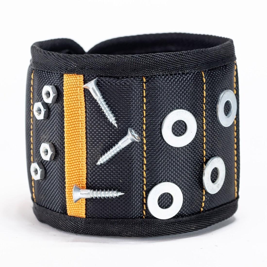 Madnetic Wristband