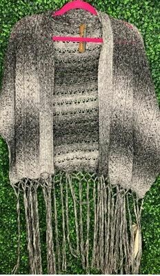 Aratta mysterious sweater shawl