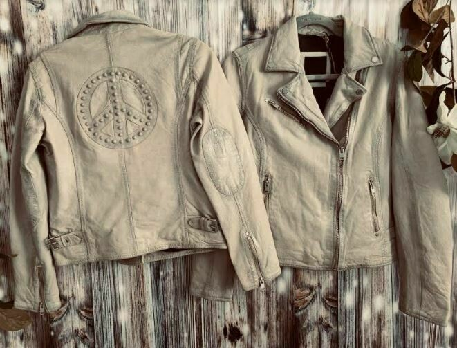 Mauritus off white peace sign leather