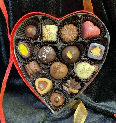 Velvet Heart Box (14pc Grand Assortment)