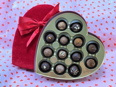 Velvet Heart Box (13pc Hand-Dipped)