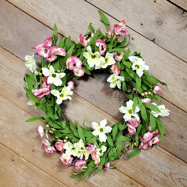Cream/Pink Floral Wreath