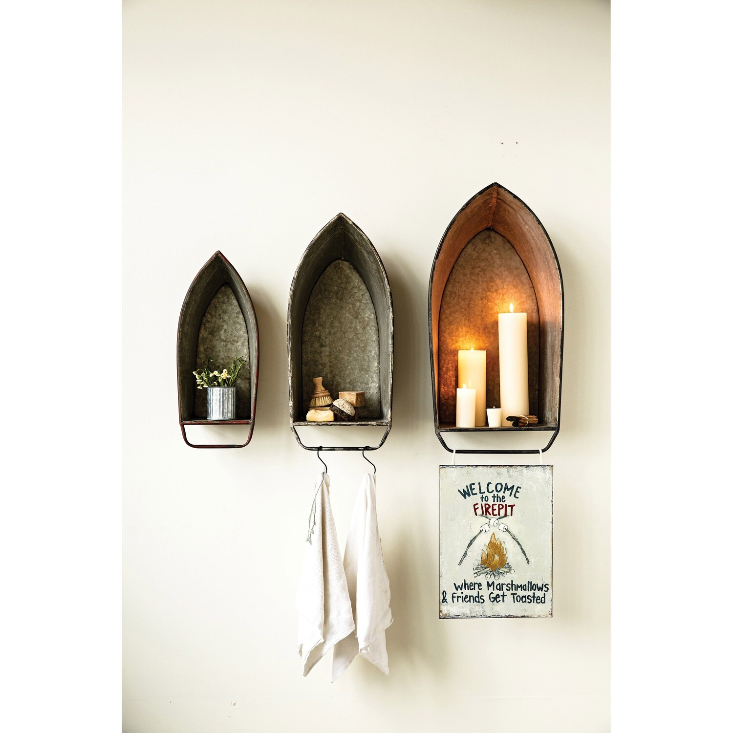 Metal Boat Shaped Wall Décor/Shelves (Set of 3 Colors/Sizes)
