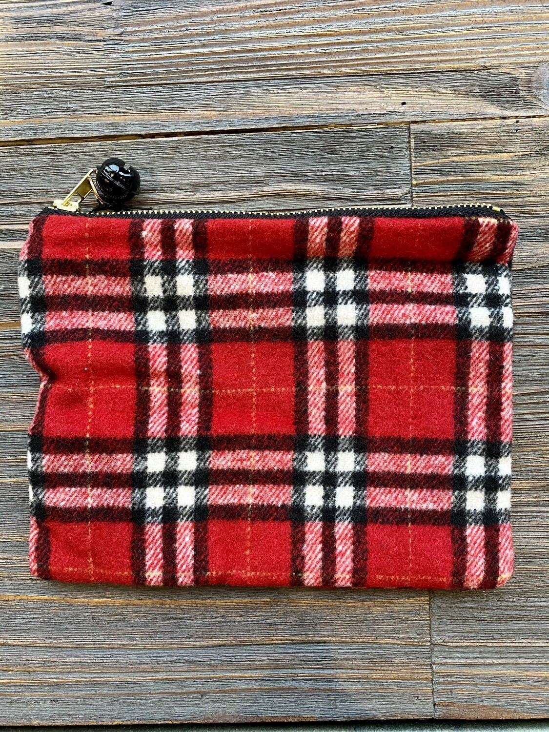 8x6 Husky Plaid Jingle Pouch