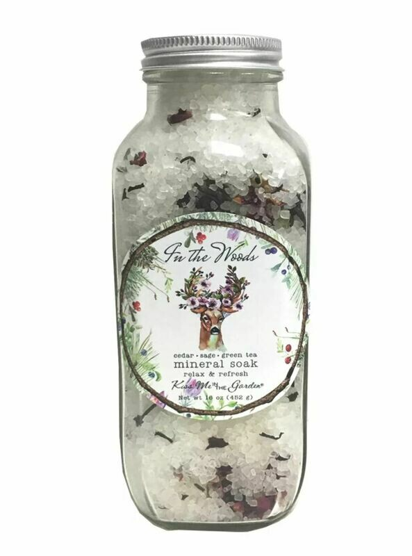 In the woods mineral soak 16 oz
