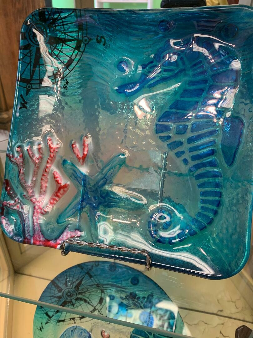 Decorative Glass Seahorse And Coral Design Plate